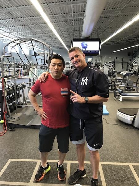 ヤンキースのトレーニング施設でジョン・フィルビンさんと