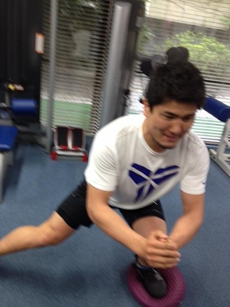 左膝のスタビリティのトレーニング