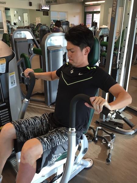 我がGYM newマシンでトレーニング中