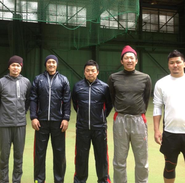 左から、諸藤プロ、栗山選手、私、上本選手、そして前日京都で試合を終えたばかりの西原選手も特別参加