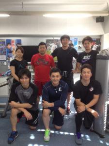後列左より井上希プロ、私、上本達之選手、諸藤将次プロ、 前列左より独立リーグで再起を目指す星秀和選手、栗山巧選手、藤江均選手。