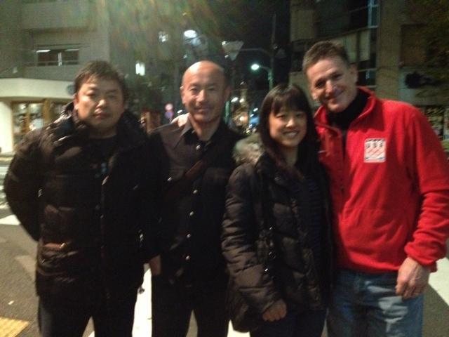 私、丸山コーチ、森田あゆみ選手、ジョン・フィルビンさん