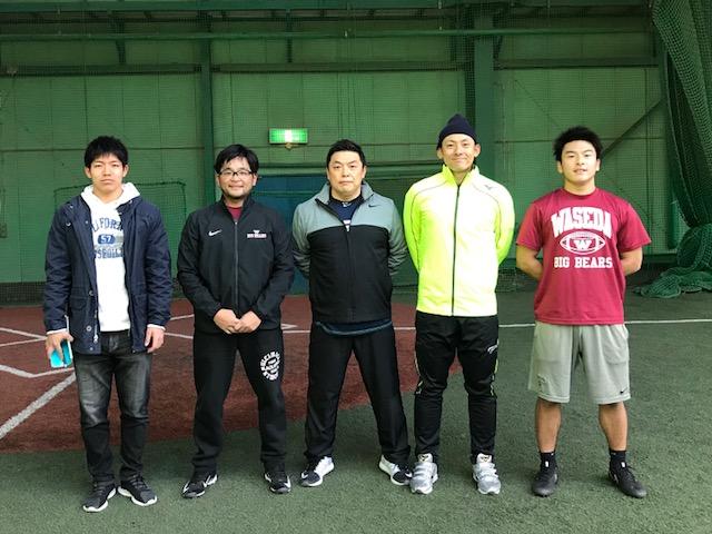左から早稲田大アメフト部高根選手、櫻井コーチ、わたし、上本選手、RB元山選手